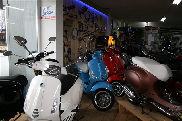 vespa showroom 2